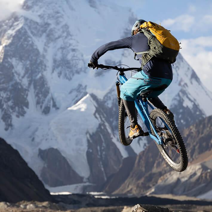 Extrem sportlich oder lieber gemütlich radeln: Entdecken Sie das passende Gepäckstück für Ihre Fahrradtour.