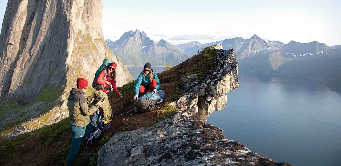 Der Natur gemeinsam nahe sein: Die passenden Trekkingrucksäcke in jeder Größe finden Sie bei uns.