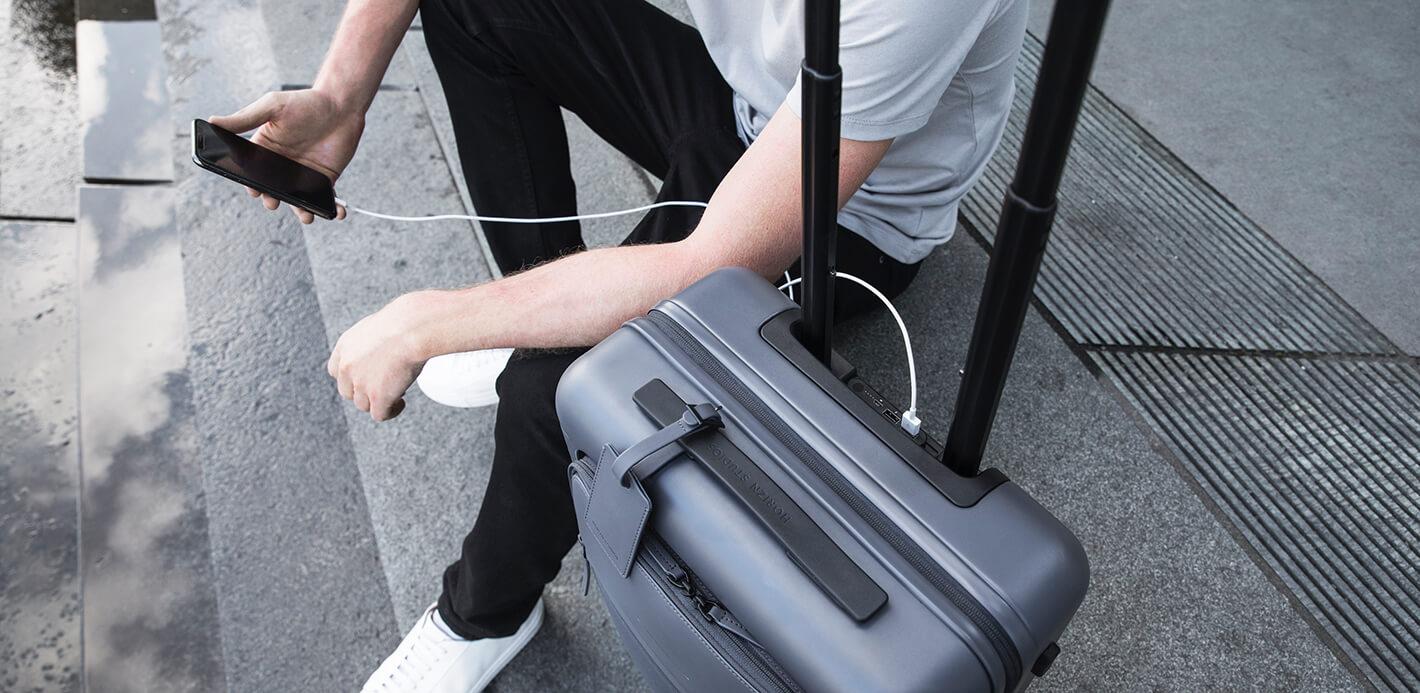 Weltweit das erste Reisegepäck mit herausnehmbarer Powerbank - von Horizn Studios