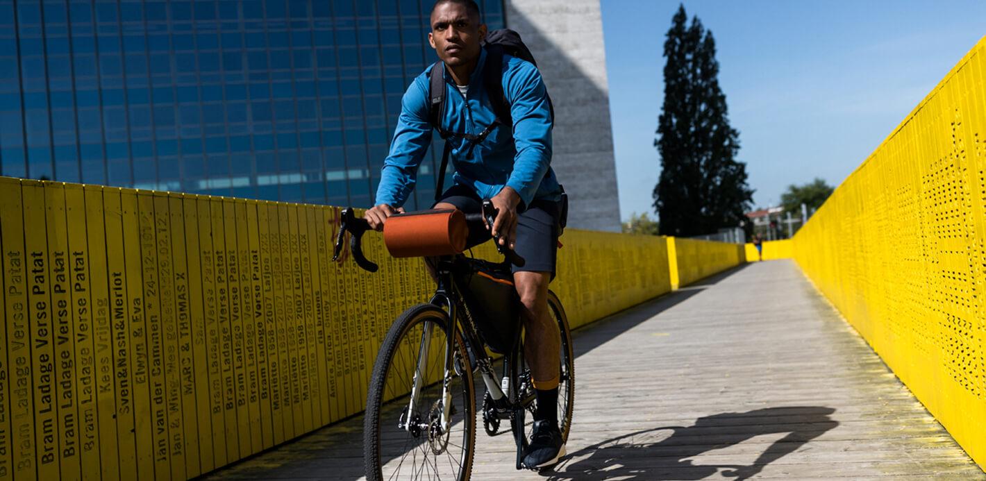 In der Freizeit auf zwei Rädern entspannen: Die passenden Bike-Bags in jeder Größe finden Sie bei uns.
