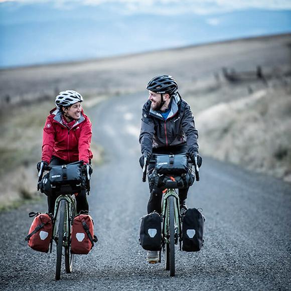 Bikepacking: Voll bepackt und bestens ausgerüstet ins Radreiseabenteuer.