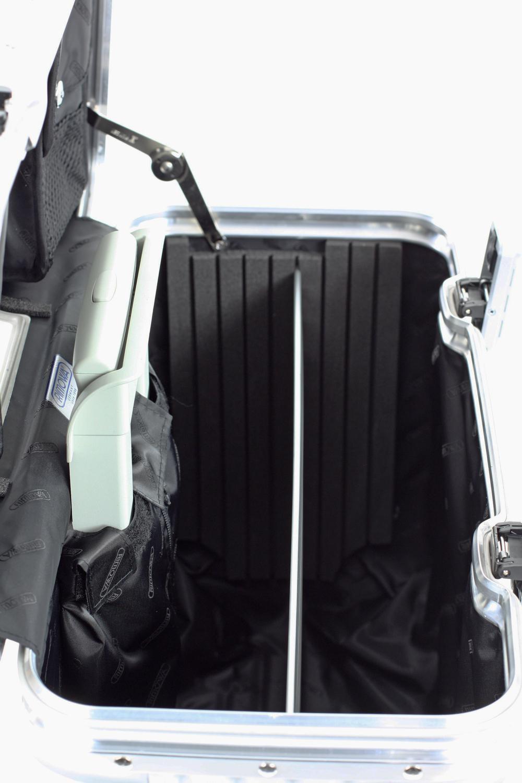 rimowa pilot multiwheel 50 kaufen bei markenkoffer. Black Bedroom Furniture Sets. Home Design Ideas